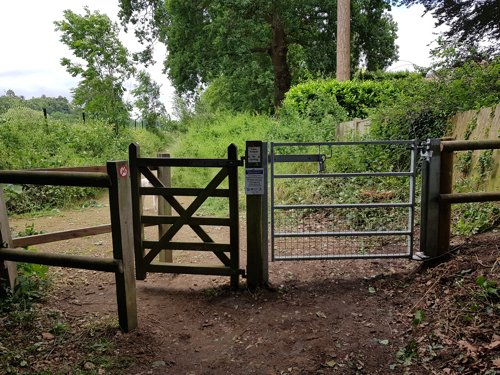 Knowle Park Footpath Radar Gate