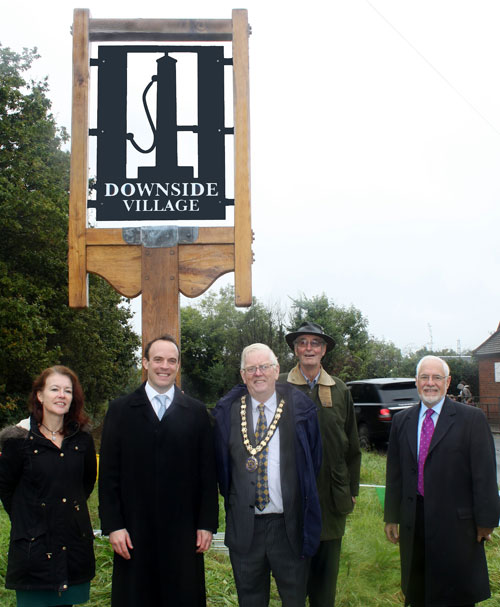 Left to right: Kate Ellis, Sign designer, Dominic Raab MP, Mayor of Elmbridge, Cllr Barry Fairbank, John Stephens, DHCG Chairman and Gerry Acher, Cobham Conservation & Heritage Trust